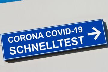 Corona Covid-19 Schnelltest Schild